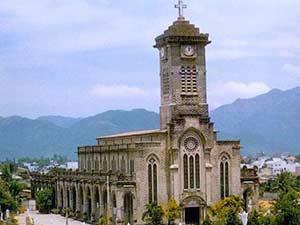 Католический собор Святой Марии в Нячанге