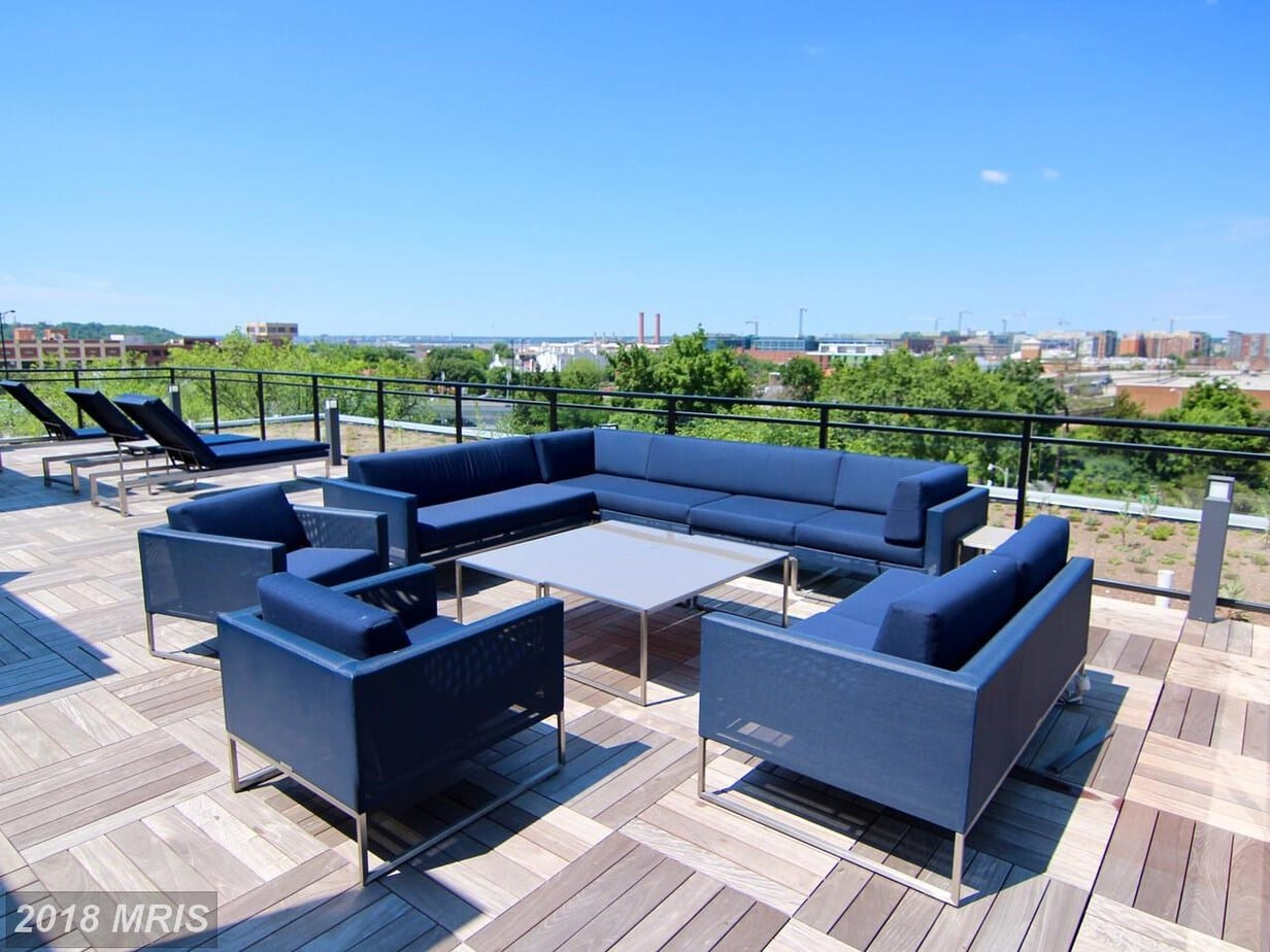 Bright shiny urban living in Capitol Hill, DC! 900 11th Street SE #406 Washington, DC 20003 is leasing-up for $2,800 per month.