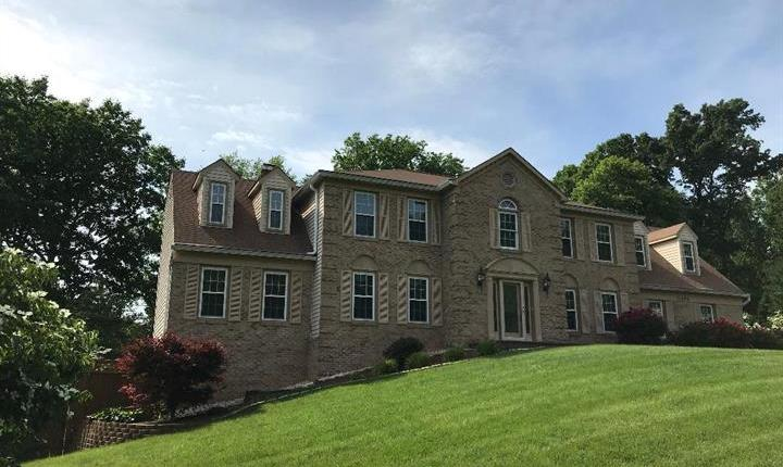 11696 Hollyview Drive Great Falls, VA 22066, Beautiful Great Falls home, 6 bedrooms, 4.5 baths $1,075,750