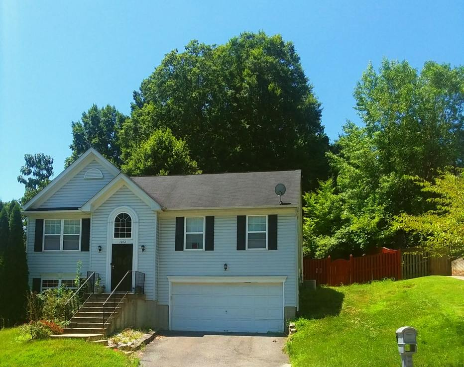 1602 Shady Glen Drive, District Heights, MD 20747 Front Center