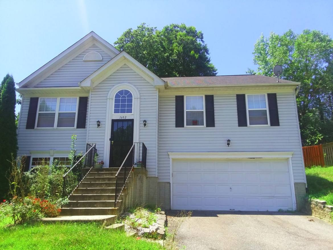 1602 Shady Glen Drive, District Heights, MD 20747 Front Up Close