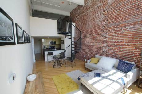 Manhattan-II-living-room