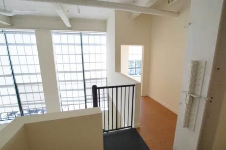 Niagara-II-Entrance-to-Upper-Bedroom