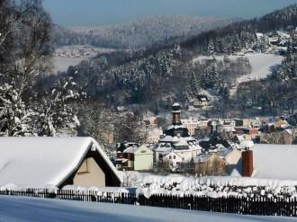 2012_12_08_Klingenthal_Blick_zur_Kirche_zum_Friedefuersten