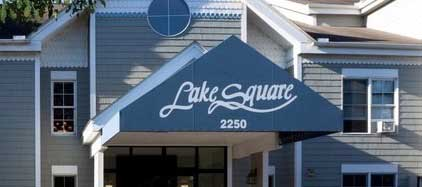 Lake Square Apartments – White Bear Lake