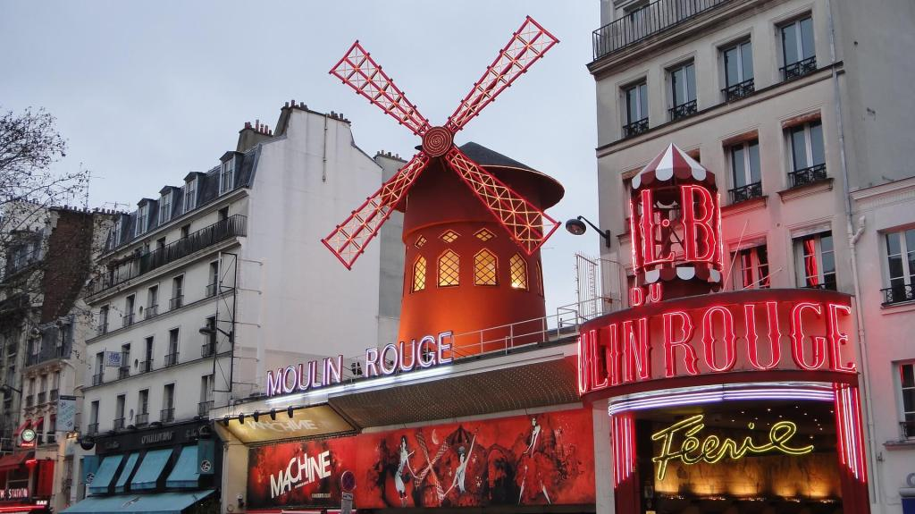 visitar el moulin rouge en paris