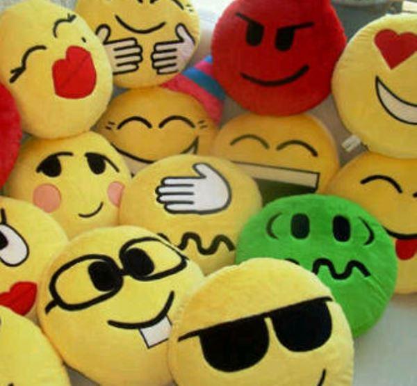 pembuatan maskot Boneka Emotion Facebook