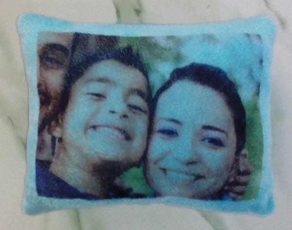 Bantal Foto Anak dan Keluarga Souvenir Ulang Tahun