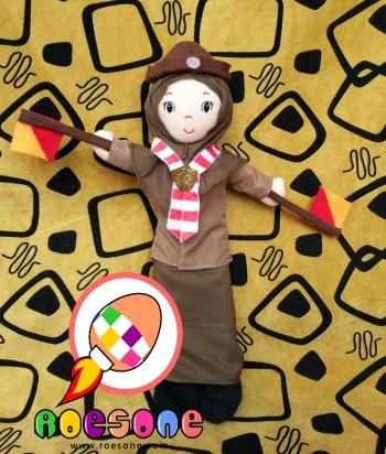 Boneka Maskot Pramuka Putri Pesantren Gontor