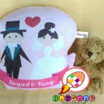 Bantal Print Lekuk Souvenir Wedding Unik
