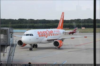 Blick aus dem Flughafen-Terminal auf unseren (?) Flieger
