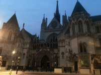 Maybe I *am* at Hogwarts... (Royal Courts of Justice-- on my way back from the Maughan Library)