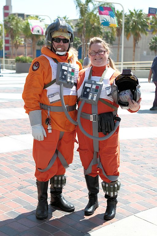 Star Wars (Halloween Costume Ideas For Couples)