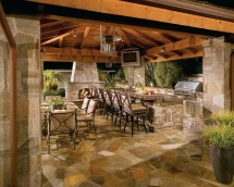 Outdoor Kitchens & Living Spaces
