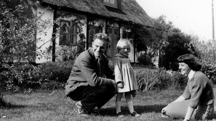 Författaren och bibliotekarien Frank Jaeger med familj var förebilder för Poeten og Lillemor. ©FLF