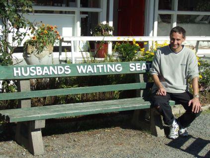 Waiting seat