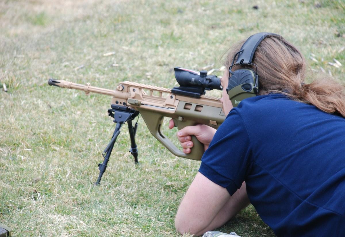 Hands- Evaluation Of Ef88 F90 Assault Rifle