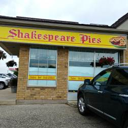 Roguetrippers stop in to Shakespeare Pies on the way to Stratford Festival in their Nissan Rogue