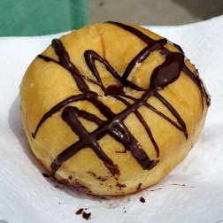 Roguetrippers enjoyed the butter tart donut from Georgian Bakery in Midland