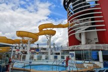 Pool and water park on Disney Cruise - roguetrippers loved it here.