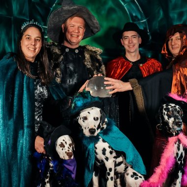 Rogue-trippers-Salem-dalmatians-witch-pix