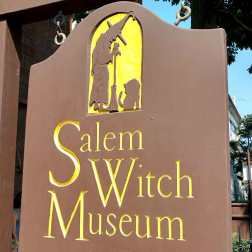 Salem-witch-Museum-Rogue-trippers-travel-blog