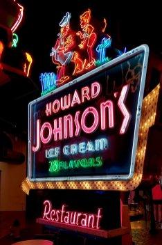 howard-johnsons-neon-sign-Museum