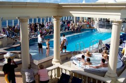 Cruise-Ship-Pool-Hot-Tub-Crowded