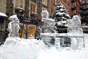 Lion-King-Ice-Sculpture-Quebec-Carnaval