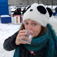 Stacy Milford enjoying a drink during Carnaval de Quebec Roguetrippers