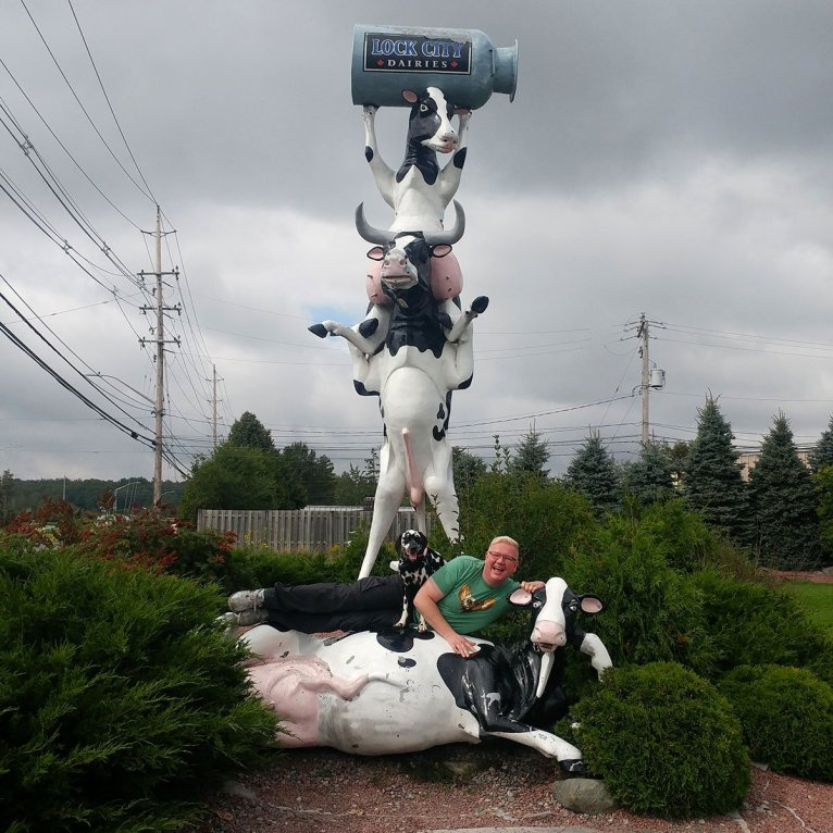 Roguetrippers playing around in Sault Ste Marie Roadside attractions