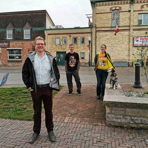 Roguetrippers visit Port Perry Social Distancing