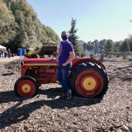 Nick-Kulnies-Roguetrippers-Down-on-the-farm