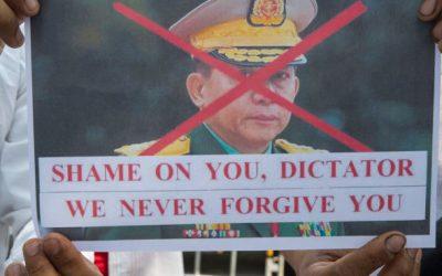 Myanmar's military head hints doubt on Rohingya repatriation