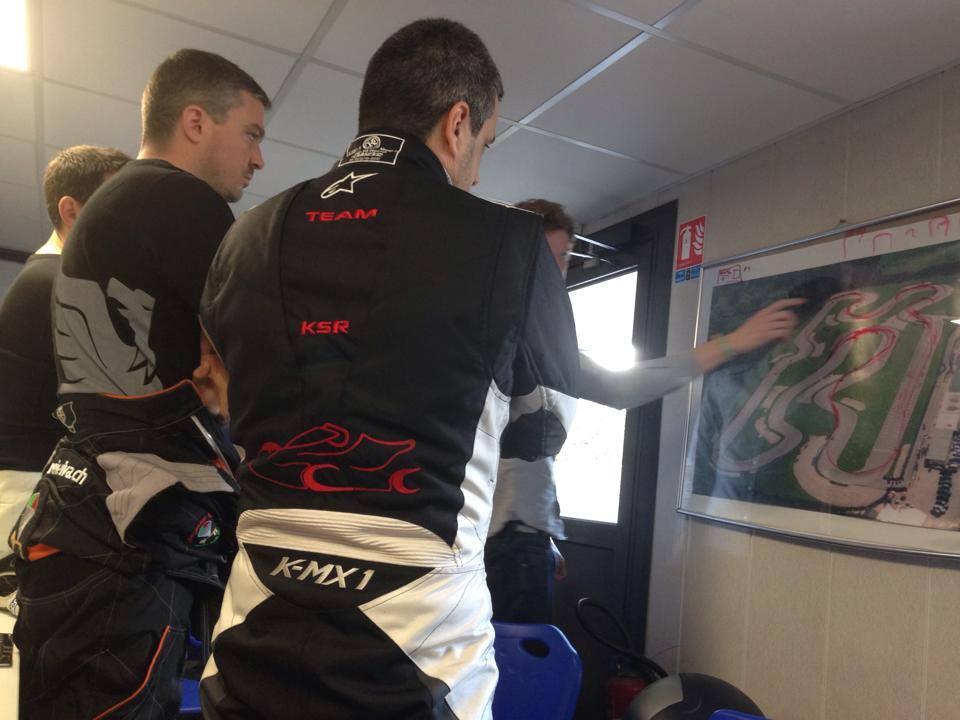 Cours de karting à MK Circuit (Briefing)