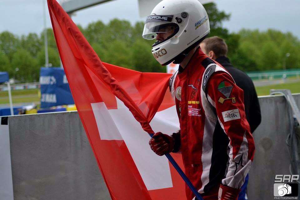 le coach remporte le championnat suisse de karting