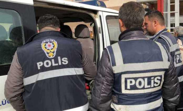 Turquie: 12 membres du HDP arrêtés à Izmir