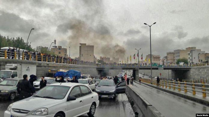 Au moins un mort et plusieurs blessés dans les manifestations en Iran