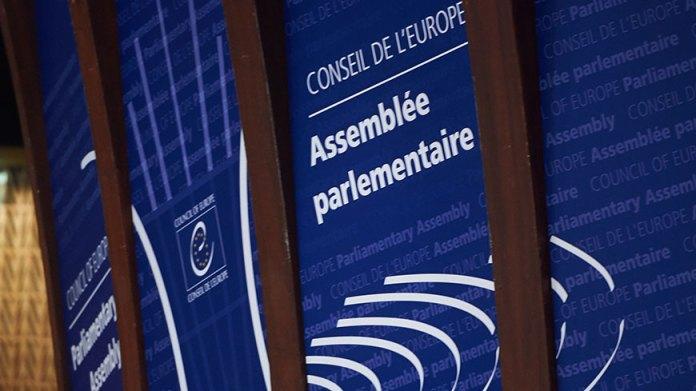 L'Assemblée Parlementaire du Conseil de l'Europe appelle à une libération non discriminatoire des prisonniers en Turquie