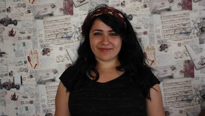 Une journaliste kurde de l'agence de presse féminine Jinnews condamnée à la prison, en raison de ses like et commentaires sur les médias sociaux.