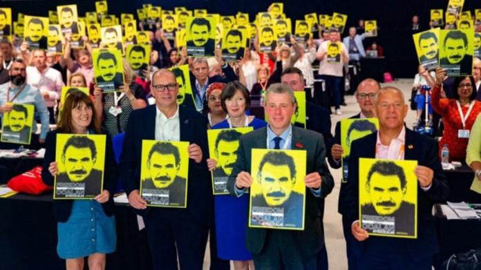 Simon Dubbins, représentant de Unite, plus grand syndicat britannique, a exhorté tous les syndicats d'Europe et d'ailleurs à rejoindre la campagne internationale «Liberté pour Öcalan».