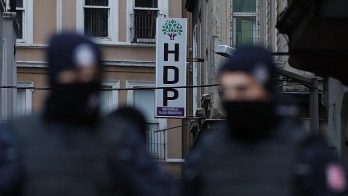Au moins 10 personnes ont été arrêtées, ce vendredi matin, au cours de nouvelles opérations politiques menées par la police turque à Ankara et Izmir.
