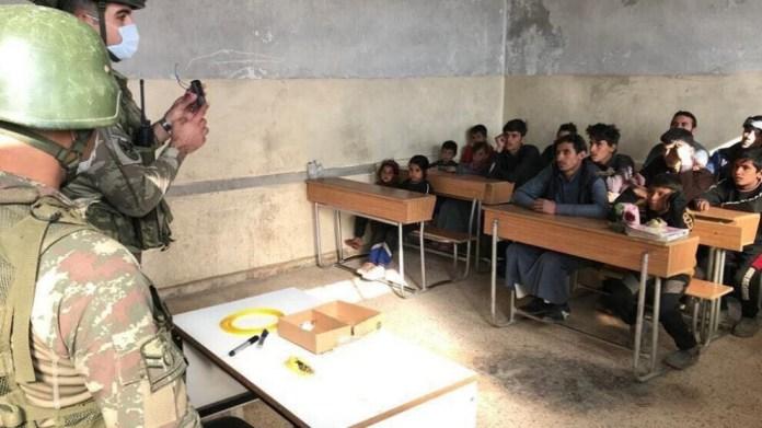 L'armée turque forme et recrute des enfants pour ses groupes de mercenaires djihadistes dans les zones occupées du nord de la Syrie