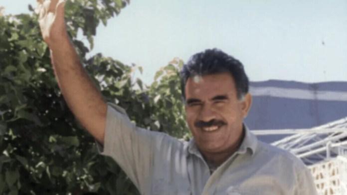 Différentes organisations kurdes ont condamné la conspiration internationale qui a conduit à l'enlèvement d'Abdullah Öcalan le 15 février 1999