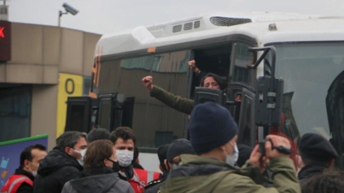 La police a attaqué ce vendredi un rassemblement des étudiants de l'université Bogaziçi. Près de 50 personnes ont été arrêtées.