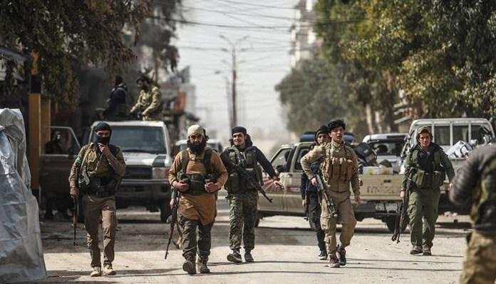 Des membres de l'Armée nationale syrienne (ANS) fondée par l'État turc ont été déployés à Afrin, Serêkaniyê (Ra's al-'Ayn) et Girê Spî (Tall Abyad) en Syrie et en Libye, en Azerbaïdjan et au Yémen. Cependant, les forces paramilitaires soutenues par la Turquie ont commencé à exprimer leur malaise parce qu'elles ne pouvaient pas obtenir leur argent.