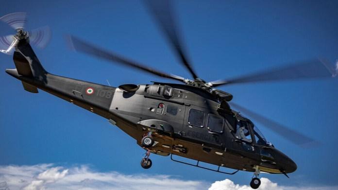 La Turquie a suspendu un contrat d'achat d'hélicoptères italiens en réponse à l'accusation de « dictateur » de Mario Draghi. Les autorités turques demandent des «excuses officielles» au gouvernement de Rome.
