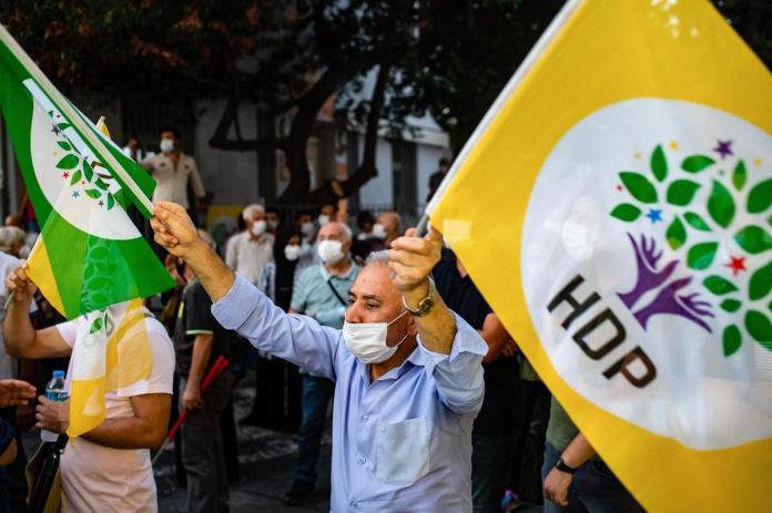 Le procureur général de la Cour de cassation turque a soumis lundi à la Cour constitutionnelle un nouvel acte d'accusation visant à dissoudre le Parti démocratique des peuples (HDP).