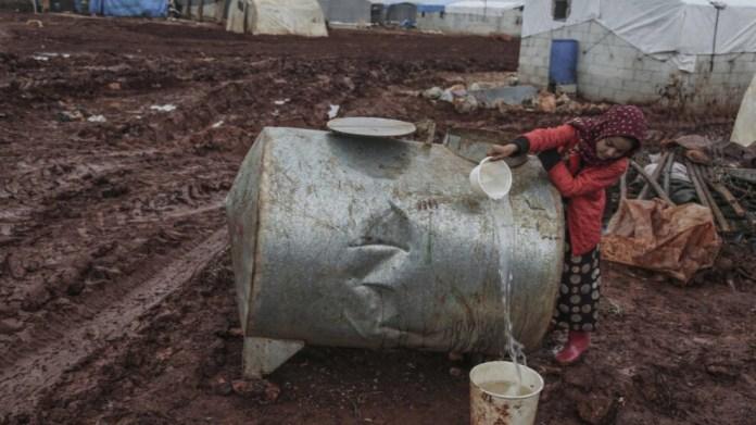 La responsable politique kurde Gulistan Ati a comparé la décision de l'UNICEF à la fermeture par la Turquie de la station d'eau d'Alouk