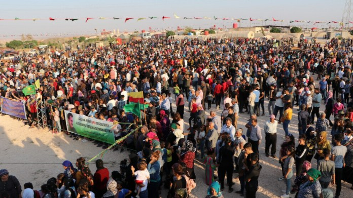 Le 9e anniversaire de la révolution de Rojava est célébré dans de nombreuses villes du nord et de l'est de la Syrie.